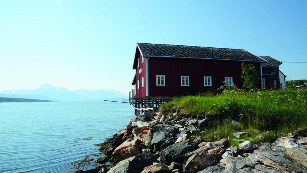 TRADISJONSRIKT: Nordby handelssted på Malangshalvøya i Balsfjord kommune har ligget der siden tidlig på 1800-tallet. Foto: Per Roger Lauritzen