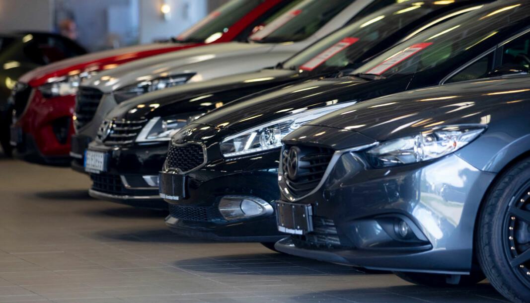 MOBIL PÅ HJUL: Biler minner teknisk stadig mer om smarttelefoner på hjul – og du kan også abonnere på dem på samme måte.