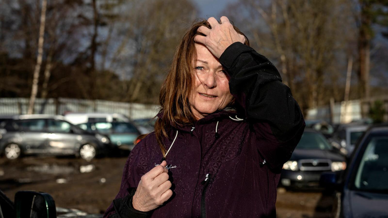 EN DÅRLIG HANDEL: Sigfrid Eiksund trodde hun kjøpte en trygg bruktbil. Men hun betalte for et vrak.