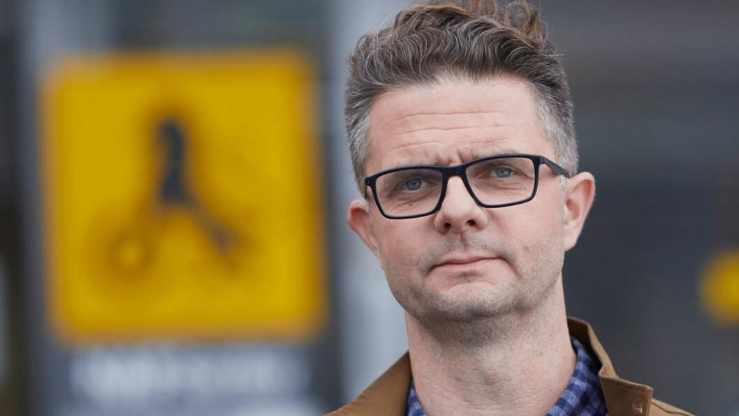 EKSTRAREGNING: – Å innføre 25 prosent moms på elbil vil gjøre at de som vurderer elbil nå vil få en ekstraregning som andre ikke har fått, sier Nils Sødal i NAF. Foto: NAF
