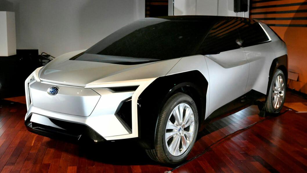 AGGRESSIV DESIGN: Subaru har valgt en resolutt uttrykksfull linjeføring for sin elektriske SUV – i det minste i konsepts form, som bildet viser. Foto: Subaru