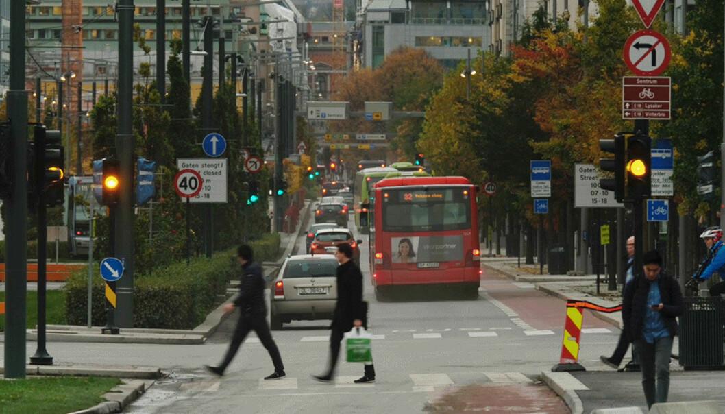 FÆRRE BILER I BYEN: Miljøpartiet De Grønne vil redusere biltrafikken i byene med 30 prosent innen 2030.