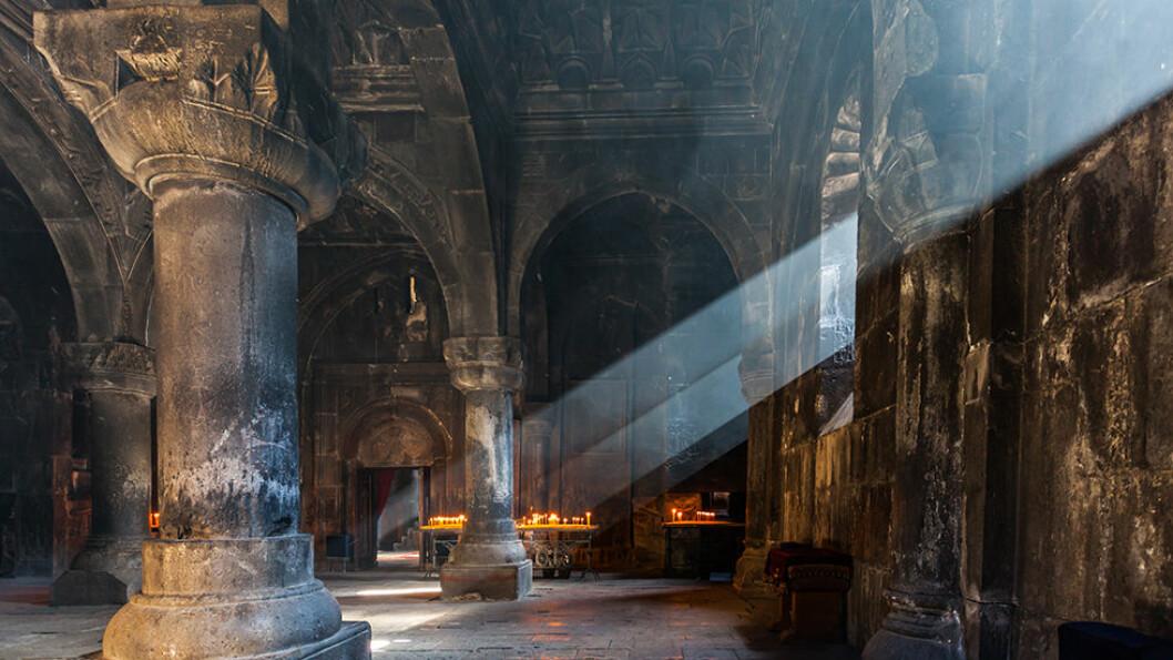 GEGHARD KLOSTERET: Middelalderklosteret er delvis bygget inn i fjellet. Foto: Shutterstock