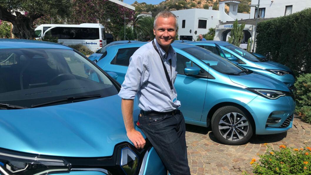 HAR BILER – VIL SELGE: PR- og markedsdirektør Roger Andersen hos Renault Norge lokker med prisavslag på opptil 20.000 kroner for den nylig oppgraderte elbilen Renault Zoe.