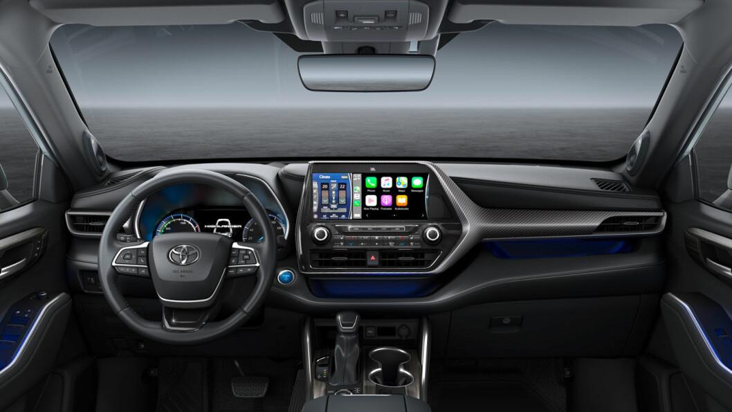 VELKJENT: Førermiljøet i Highlander fremstår med relativt konservativ og klassisk Toyota-design.