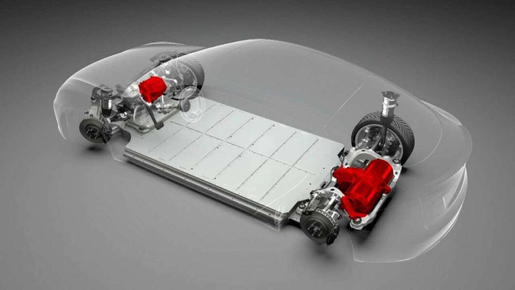 SKAL BLI BILLIGERE: Slik er dagens Tesla-batteripakke i en Model X. I fremtiden skal Tesla ifølge innsidere produsere mye billigere batterier med mye lengre varighet. Foto: Tesla Motor