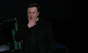 Elon Musk gjør alvor av truslene