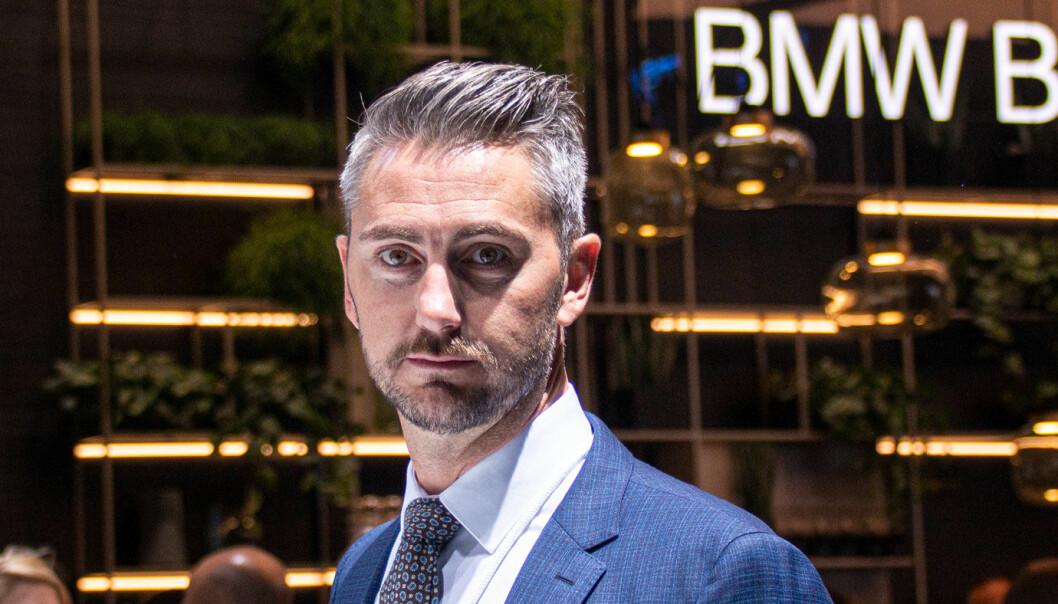 """<span class="""" font-weight-bold"""" data-lab-font_weight_desktop=""""font-weight-bold"""">SPENT:</span> Marius Tegneby, kommunikasjonsdirektør i BMW i Norge, gleder seg til de første kundene får sine IX-er i november."""