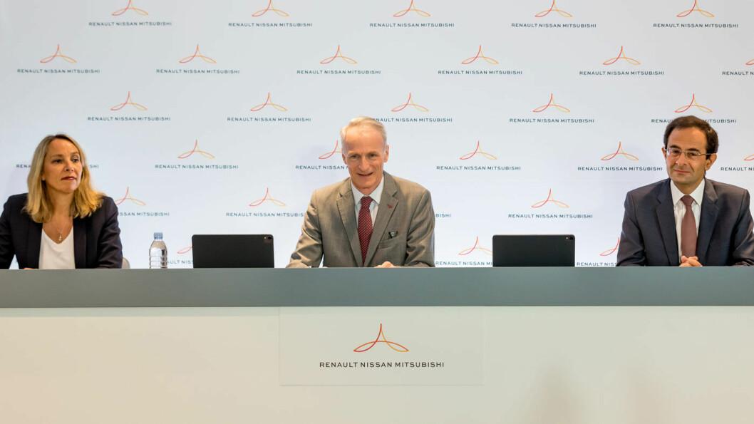 TRIO: Renault-Nissan-Mitsubishi-alliansen holdt en pressekonferanse for å annonsere sin nye, samlende effektiviseringsstrategi, fra venstre Clotilde Delbos, fungerende administrerende direktør for Renault, Jean-Dominique Senard, Alliansens styreleder og Hadi Zablit, generalsekretær for Alliansen.
