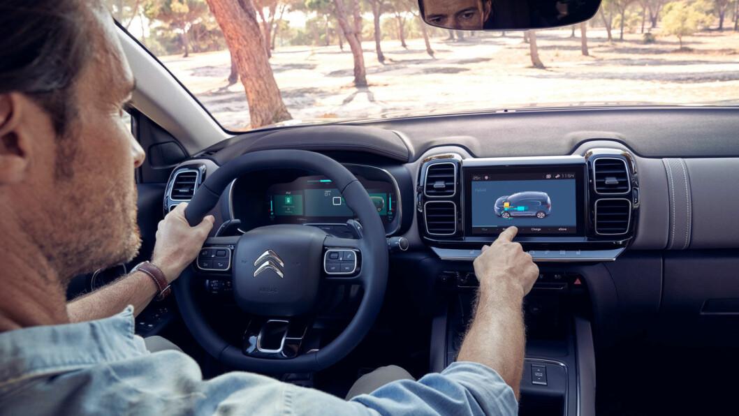 KOMFORT: C5 er svært komfortabel, i god Citroën-tradisjon. Setene sammenliknes med møbler.