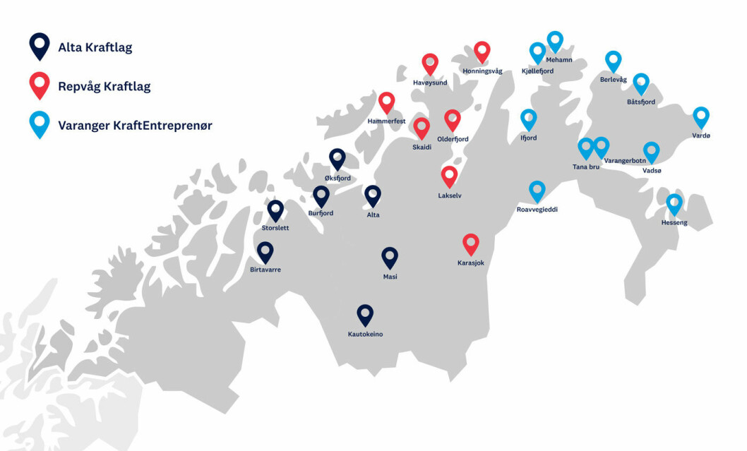 STREKKER LEDNINGEN: Nå blir det enklere å kjøre elbil også i vårt nordligste fylke. Det skal bygges 18 nye ladesteder. Foto: Enova