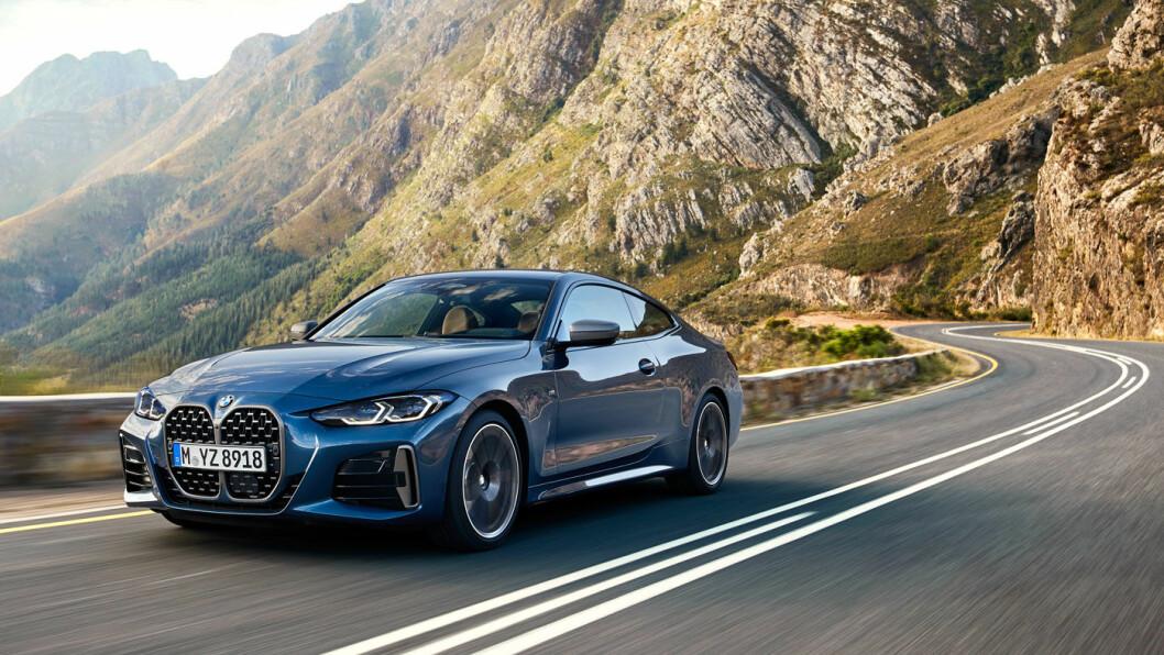 SPORTY: BMW 4-serie coupé er basert på BMW 3-serie, men har likevel designmessige ulikheter – utover selve coupeformen. Blant annet er nyregrillen helt annerledes. Foto: BMW