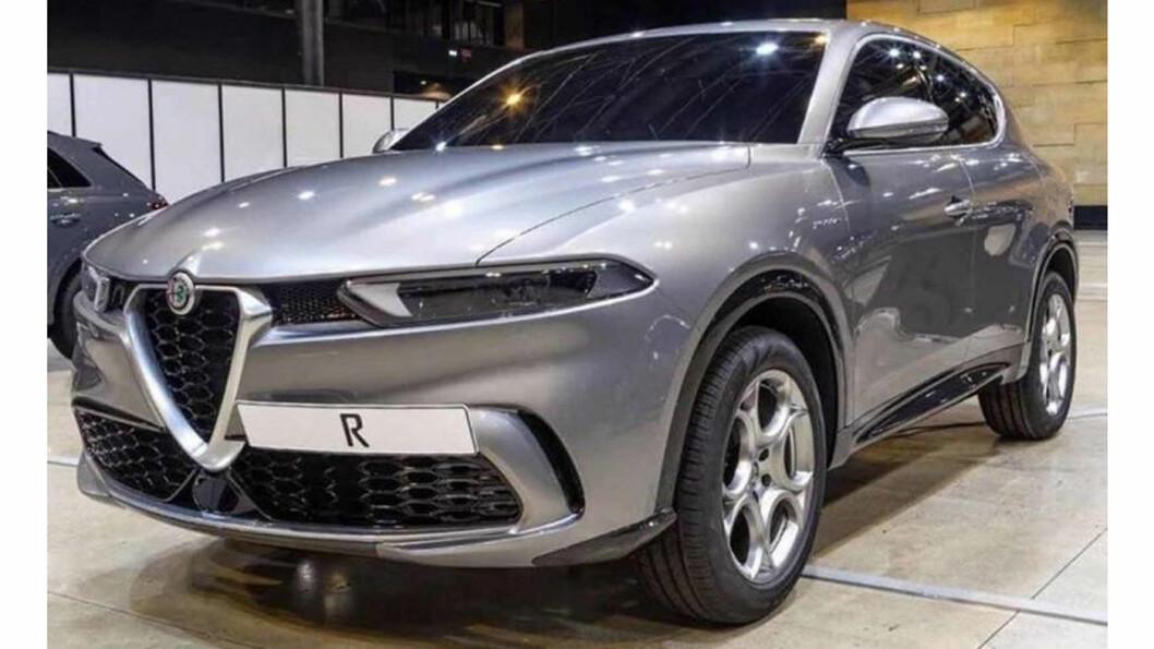 UMISKJENNELIG: Den er utpreget Alfa Romeo av utseende. Tonale slik den er avslørt på bildet ligner på konseptbilen, i mer nøktern utførelse. Lansering skal være relativt nært forestående.