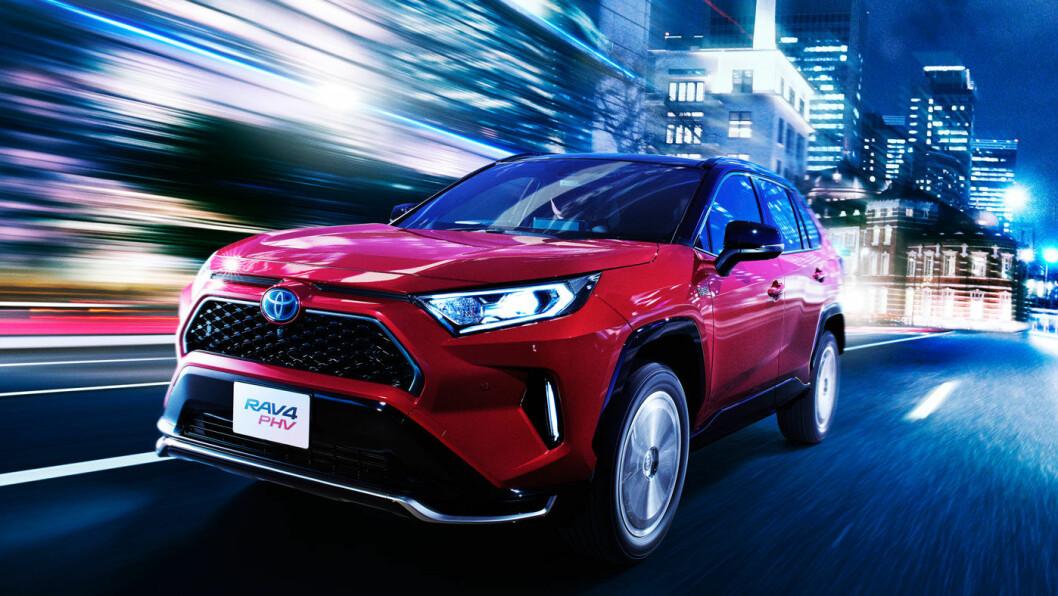 NESTE SLAGER: Toyota RAV4 PHV har alle forutsetninger for å score stort i det norske markedet med en elektrisk rekkevidde på 95 km. Foto: Toyota Motor