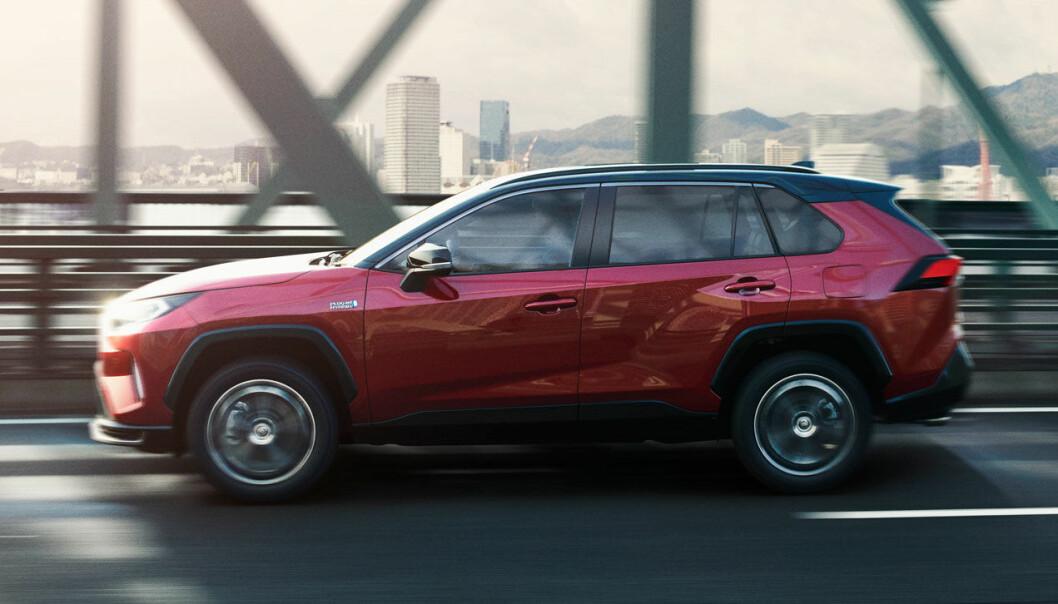 ETTERTRAKTET: Toyota bremser produksjonen av nye, ladbare RAV4.