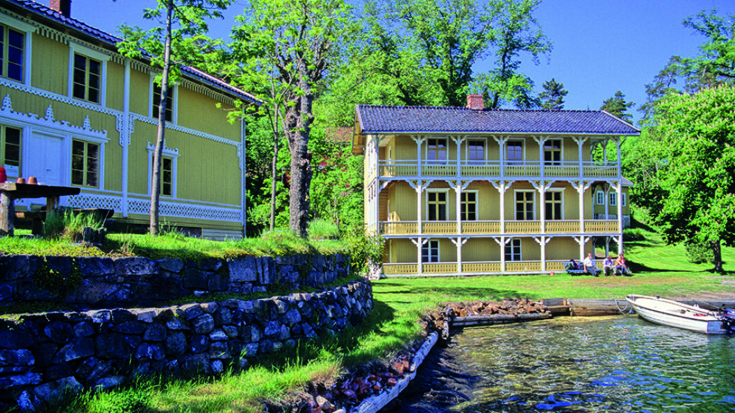 KYSTKULTUR: På Furøya i Tvedestrandsfjorden har allmennheten overtatt en tidligere skipsredervilla. Foto: Per Roger Lauritzen