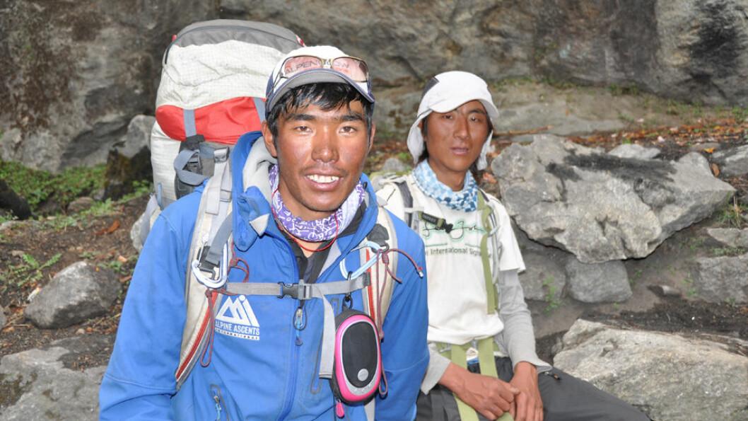 SHERPAENES RIKE: I Himalaya blir vi tatt i mot av sherpaer som følger oss på alle vandringene. Foto: Explore Travel