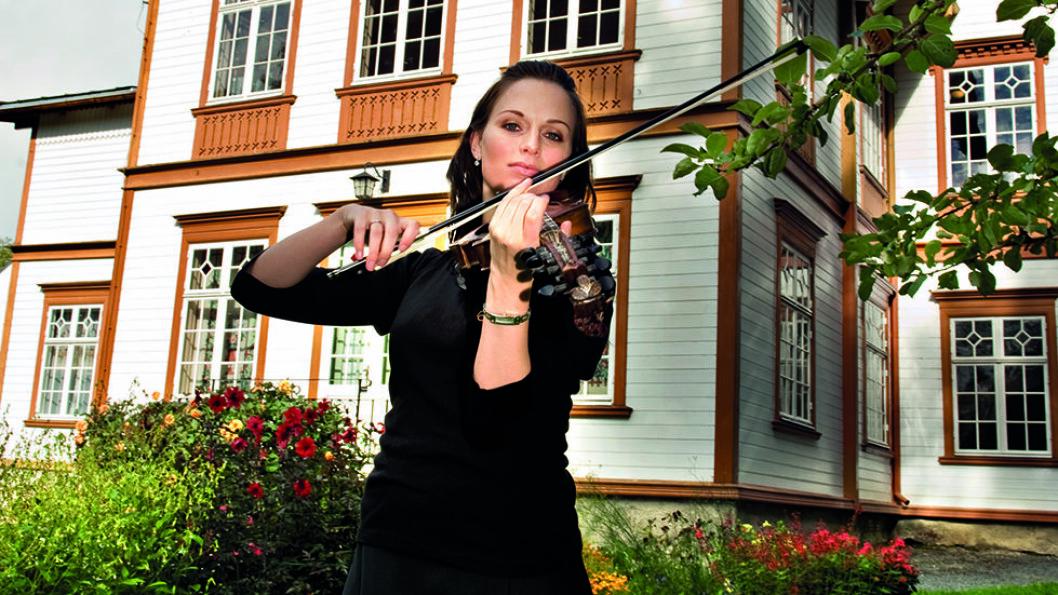 RINGVE MUSEUM: Tordenskiolds barndomshjem er i dag et nasjonalt museum for musikk og musikkinstrumenter. Foto: Ringve Museum