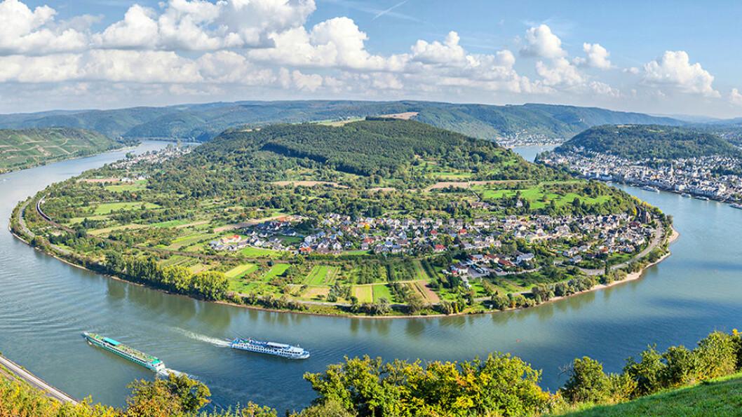 OMKRANSET AV RHINEN: Byen Boppard ligger akkurat der Rhinen gjør en kraftig sving. Området står på UNESCOs verdensarvliste. Foto: Shutterstock