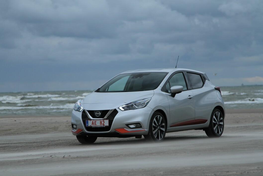 SMÅTT OG GODT: Nye Nissan Micra blir en tøff konkurrent i småbil-klassen. Produksjonen flytes nå fra India til Frankrike. Foto: Rune Korsvoll