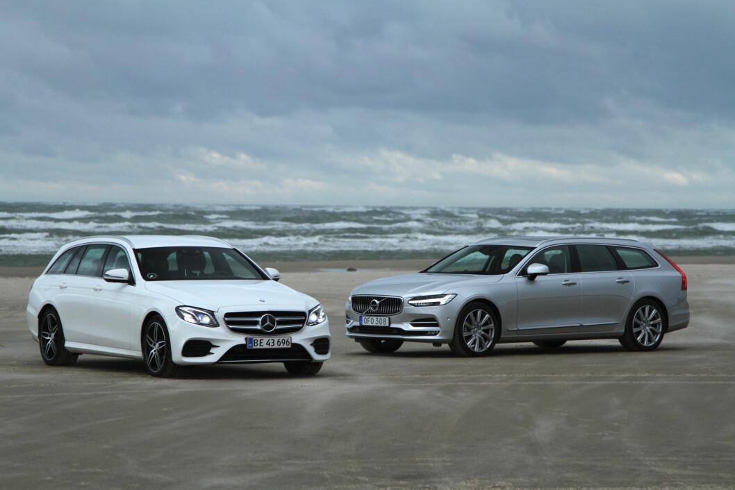VANSKELIG VALG: Volvo V90  og Mercedes E-klasse er årets to store nyheter i luksusklassen. Her vil smak og behag avgjøre valget. Foto: Rune Korsvoll