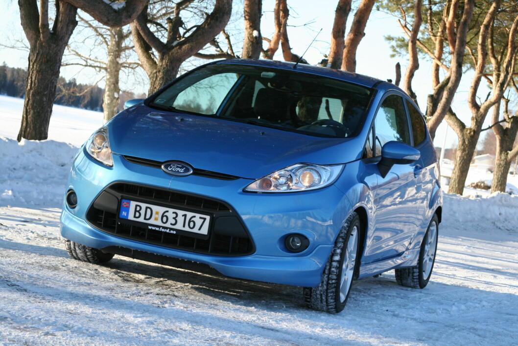 FARE FOR BRANN: En tenningsmodul på en del eldre Ford Fiesta-modeller med dieselmotor kan overopphetes og byttes nå ved tilbakekalling. HVor mange norske biler det dreier seg om vet vi ikke ennå. Foto: Rune Korsvoll