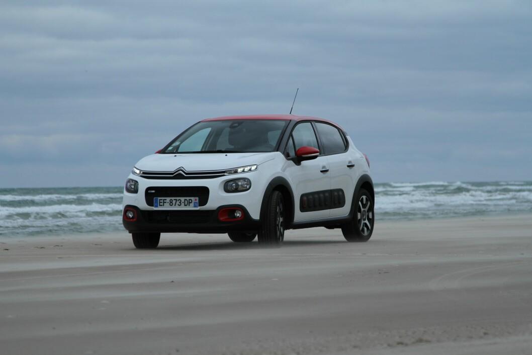 UNG OG FRISK: Med blanding av flere farger blir Citroën C3 en ungdommelig og kul bil. Foto: Rune Korsvoll