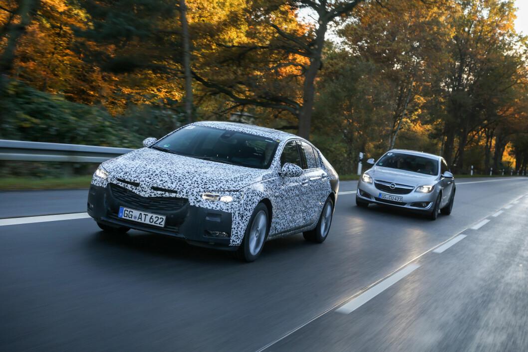 BAK RATTET: Vi har prøvekjørt nye Opel Insignia i kamuflert utgave. Bilen er lettere, større innvendig og får et mer elegant utseende. Foto: Arman Heinz