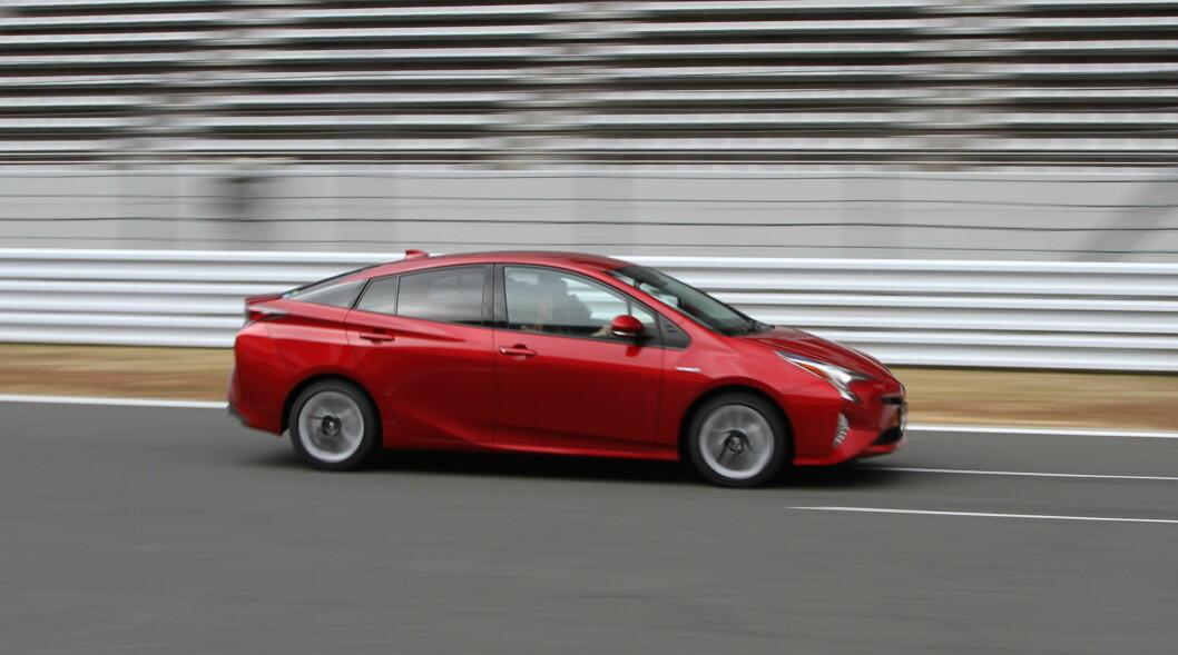 FEBRUAR: Nye Toyota Prius er på plass i Norge i februar. Enda viktigere for oss blir den ladbar utgaven som kommer neste høst. Foto: Rune Korsvoll