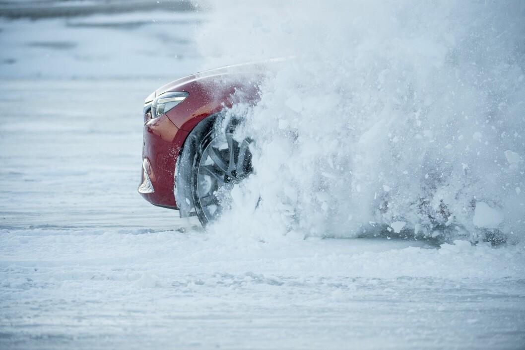 MER KREFTER: Norske biler blir sadig sterkere. Nå har gjennomsnittsbilen 133 hester under panseret. Foto: Rune Korsvoll