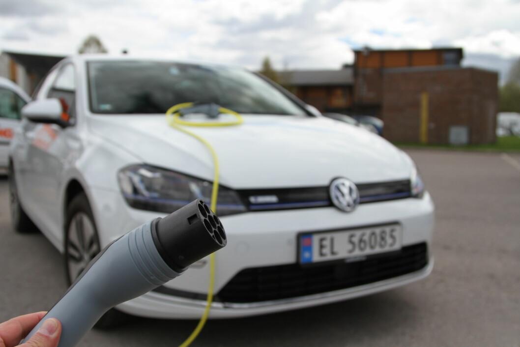 SUVEREN: Selv om salget av VW Golf gikk litt ned i 2016, er bilen fortsatt den suverent mest solgte i Norge. Det kan den takke både eldrift og ladbart hybriddrivverk for. Foto: Rune Korsvoll