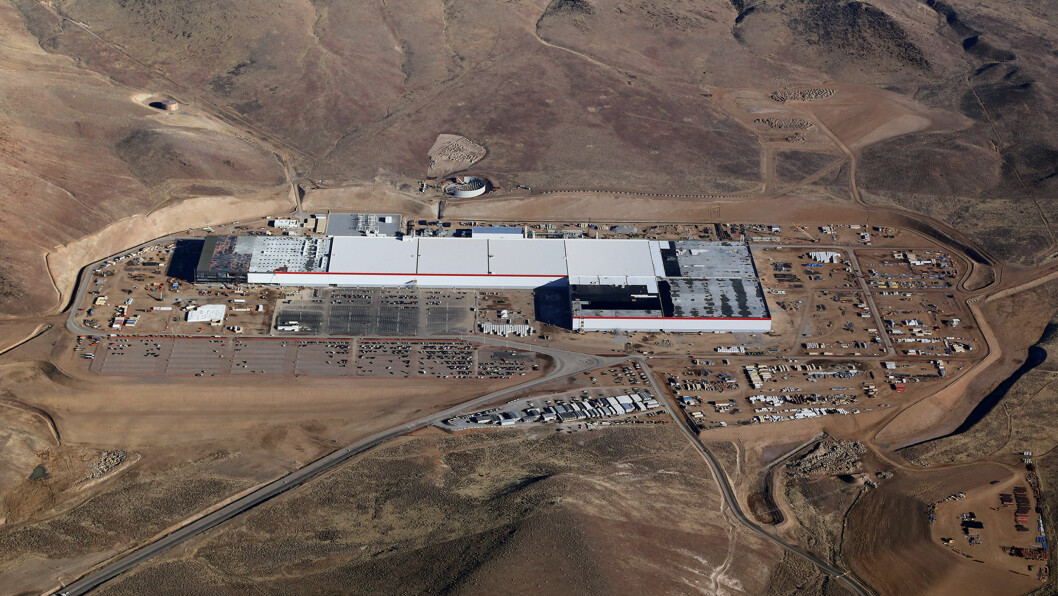 GIGANTISK: Teslas batterifabrikk  utenfor Reno i Nevada, skal produsere batterier til blant annet Model 3, som flere tusen nordmenn har bestilt. Foto: Tesla