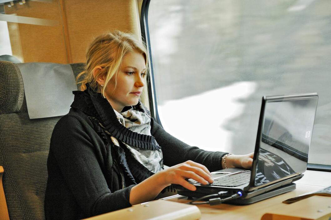 SOM PÅ JOBB: Muligheten til en god arbeidsøkt bidrar stort til togets gode score på Motors reisetest. Foto: Patrik Engstrom/SJ