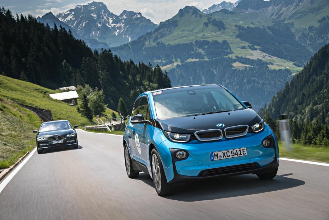 MEST SOLGT: Etter at BMW i3 fikk større batteri og lengre rekkevidde, er den blitt den mest populære elbilen i Norge. Foto: BMW