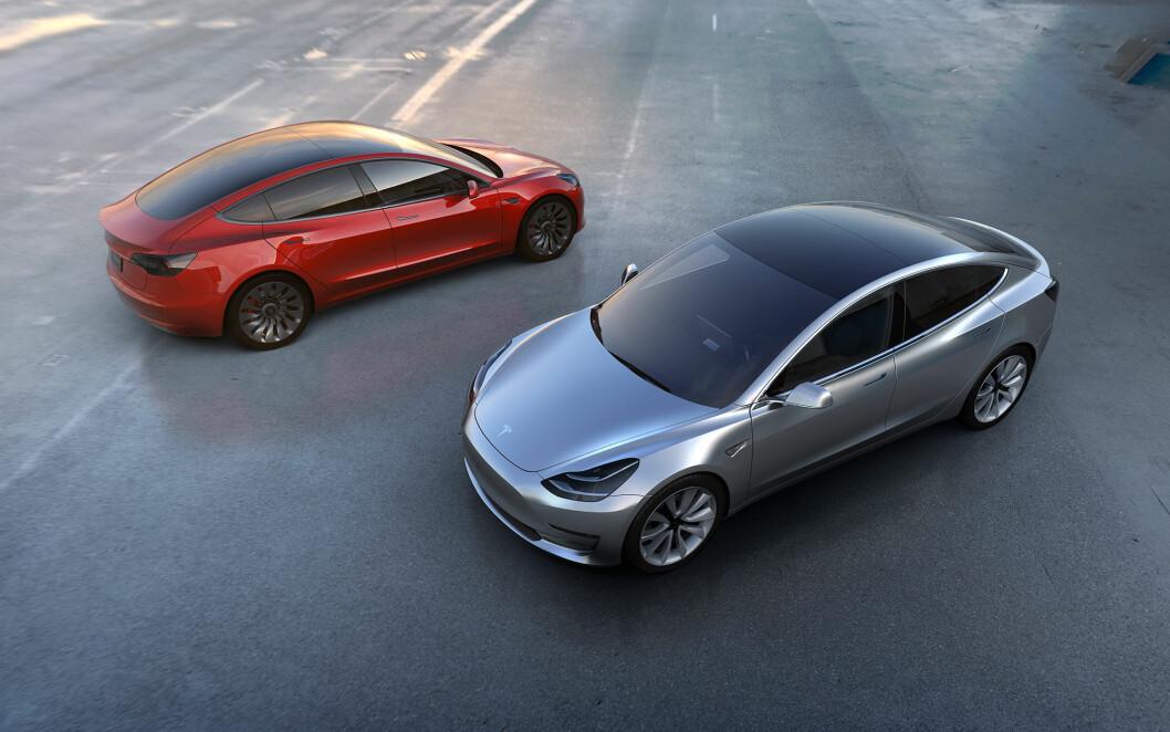 STARTER OPP: Mer enn 370.000 kunder verden over har forhåndsbestilt Tesla Model 3, som kommer i produksjon i 2017.