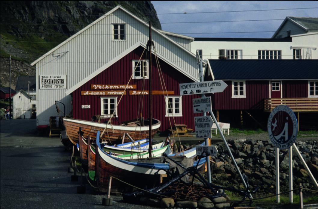 SLUTTEN: Å er Norges korteste stedsnavn og endepunkt for veien i Lofoten.