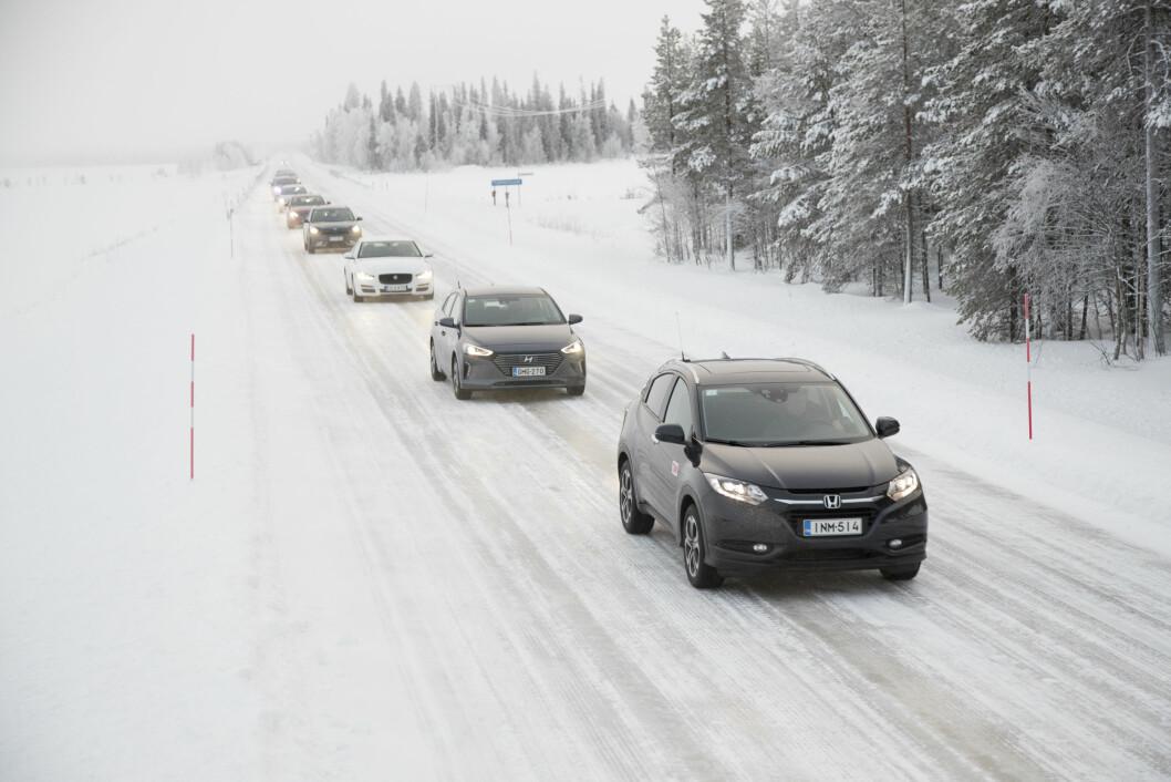 VINTERTEST: Motor har testet 16 av de viktigste nye bilene under ekstreme vinterforhold. Foto: Pekka Nieminen