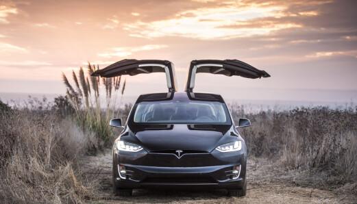 Tesla tilbakekaller Model X og Y med interiørfeil