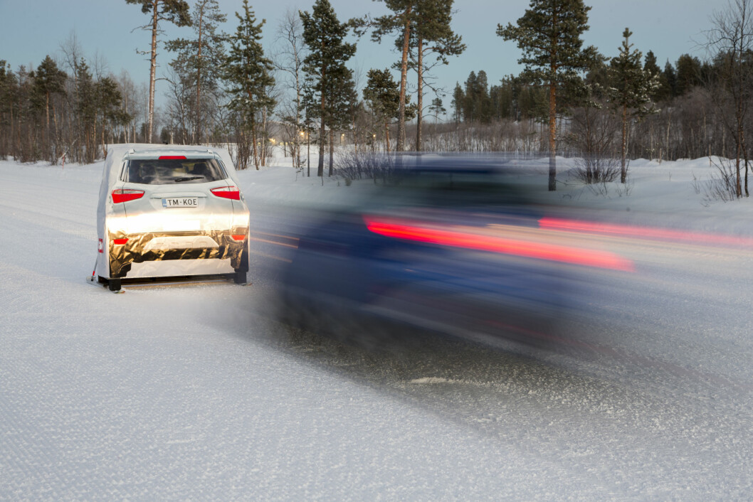STYR UNNA: Veigrepet bør være topp når det plutselig er hindringer i veien! Sjekk karakterene for alle bilene i alle testkategoriene i den store vinterbiltesten. Foto: Pekka Nieminen