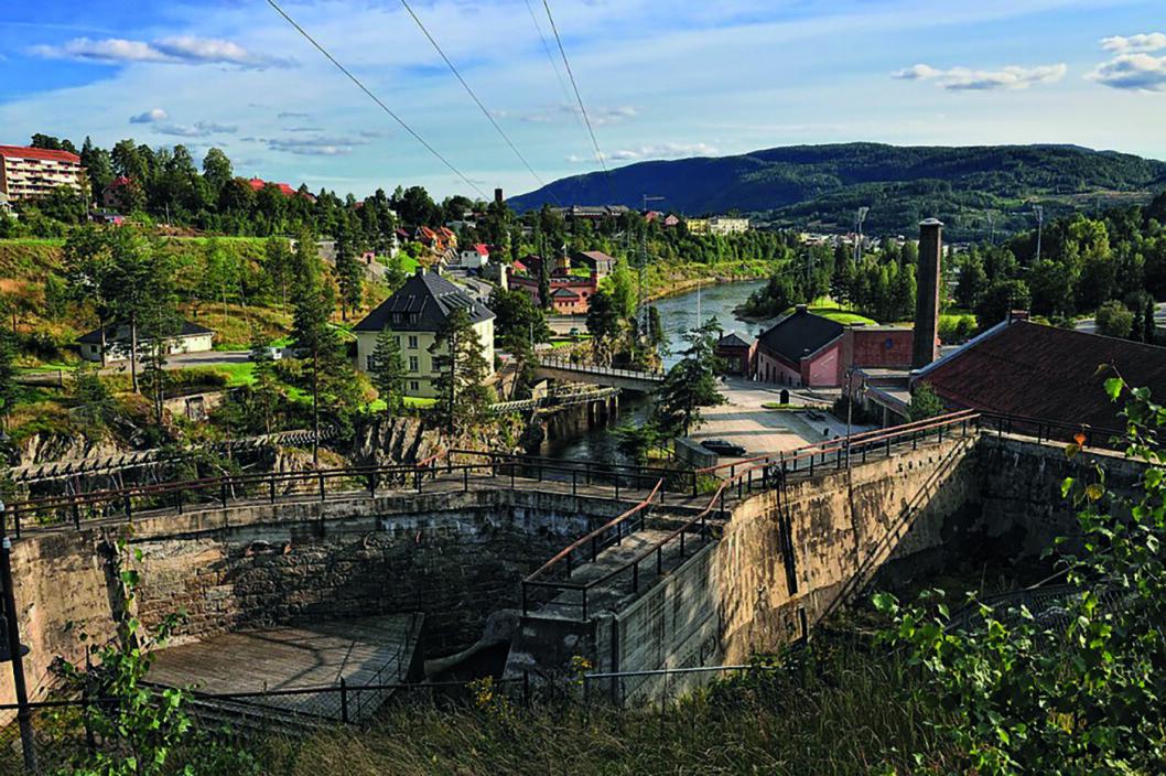 NYE TONER: Myrens Dam ble bygget på Øvre Tinfos i Notodden i 1807, i dag er det gamle damanlegget en konsertscene.