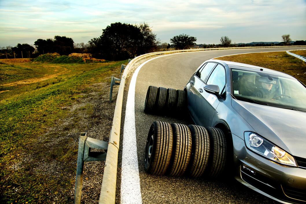 TRE STJERNER: Michelin topper resultatlista når det kommer til bremsing på tørr asfalt. Foto: Lasse Allard