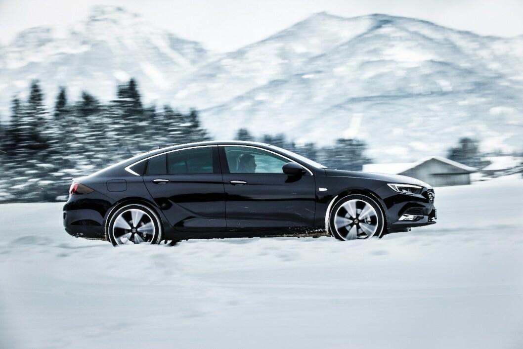 MER SPORTY: Nye Opel Insignia lanseres i Norge i september både som sporty sedan og stasjonsvogn. Foto: Opel
