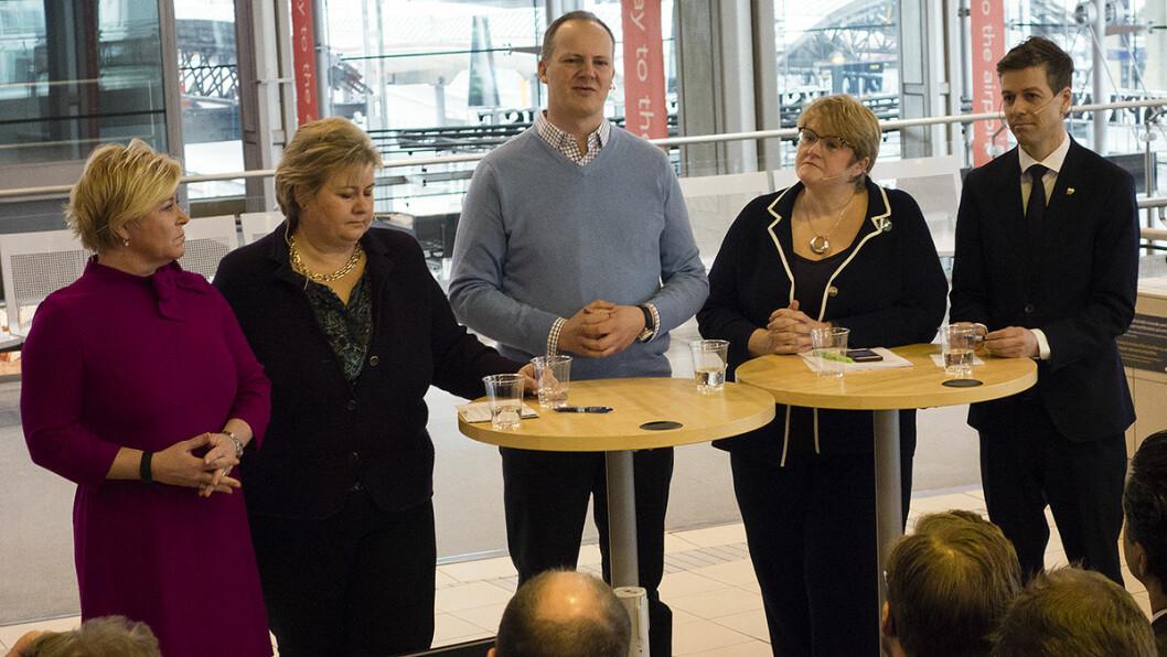 PÅSKEBUDSKAP: Finansminister Siv Jensen (f.v.), statsminister Erna Solberg, Venstre-leder Trine Skei Grande og KrF-leder Knut Arild Hareide flankerer samferdselsminister Ketil Solvik-Olsen (midten) som sier ny NTP kommer før påske.