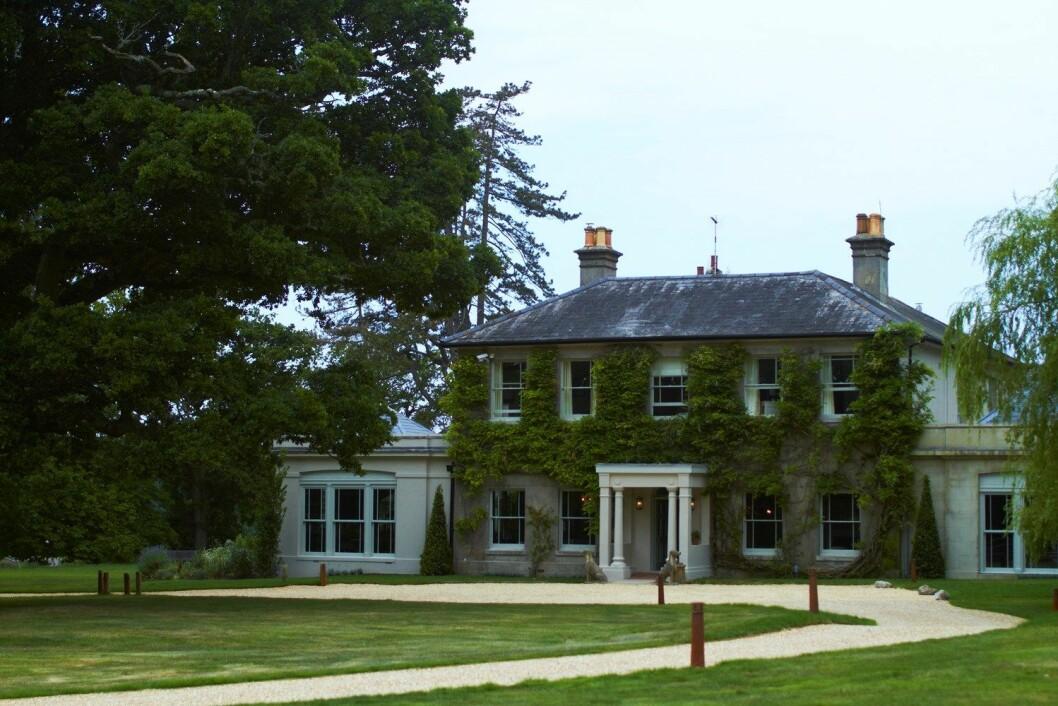 STASELIG: Hovedbygningen på The Pig i Brockenhurst levner ingen tvil om at dette er et hotell som vet å ta vare på tradisjonene.