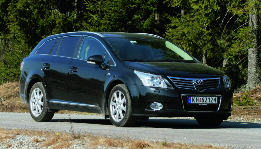 BRANNRISIKO: Toyota Avensis med dieselmotor tilbakekalles. I noen markeder gjelder tilbakekallingen også Auris- og RAV4-modeller med samme motorisering.