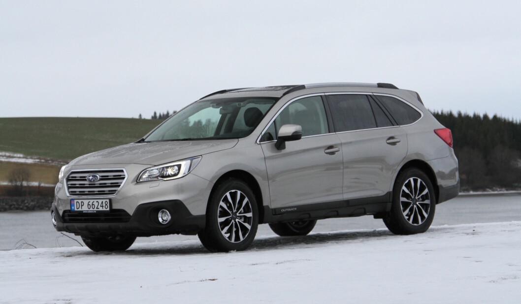 FORYNGELSESKUR: Nye Outback bør ha draget på også litt yngre kunder enn de tradisjonelt godt voksne Subaru-kundene. Foto: Rune Korsvoll