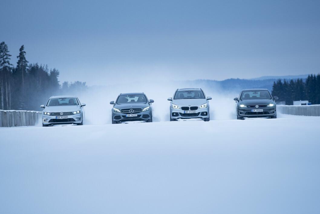 PLUG AND PLAY: Vi har testet VW Passat GTE (f.v.), Mercedes-Benz C 350e, BMW 225XE Active Tourer og VW Golf GTE Foto: Jon Terje Hellgren Hansen