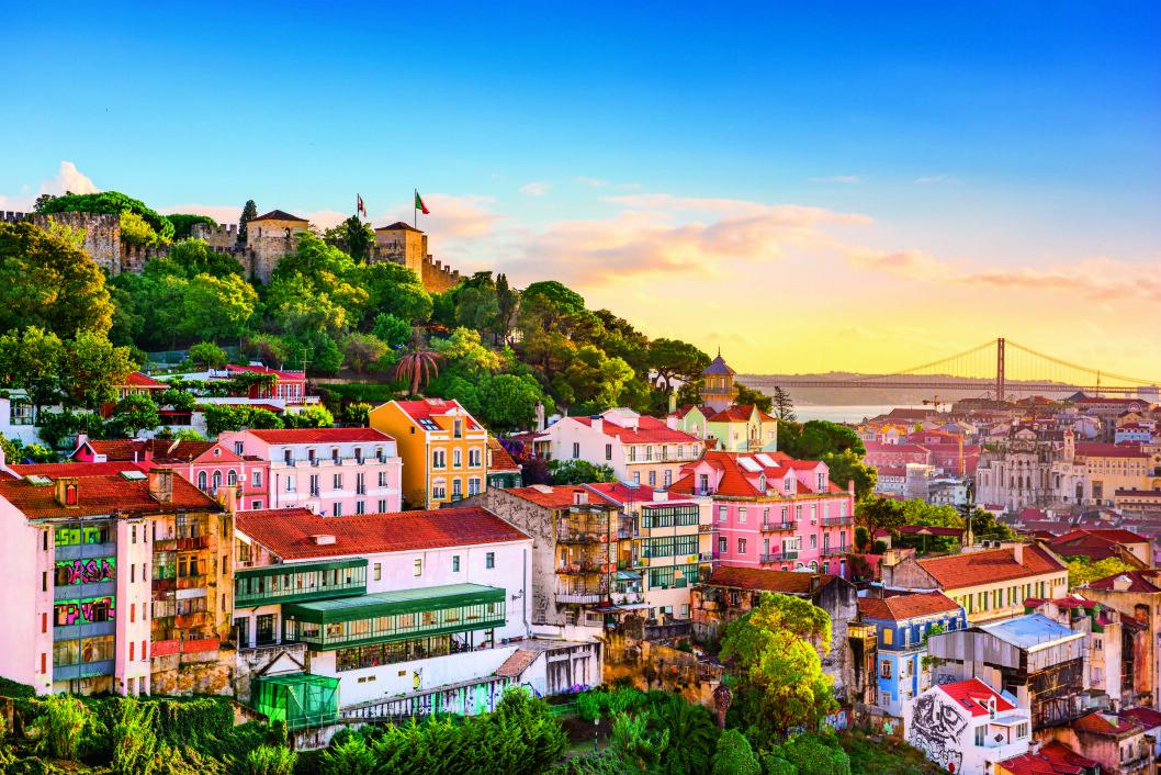 VAKRE PORTUGAL: Kysten bugner av kultur, fado, fiskelandsbyer og historier om modige sjøfarere.