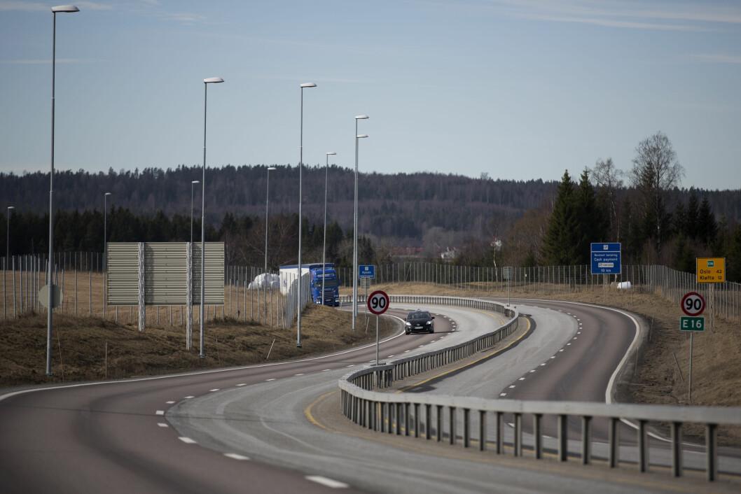 FLERE OG FLERE: Bompengeskiltene vil bli stadig flere langs norske veier. Foto: Espen Røst