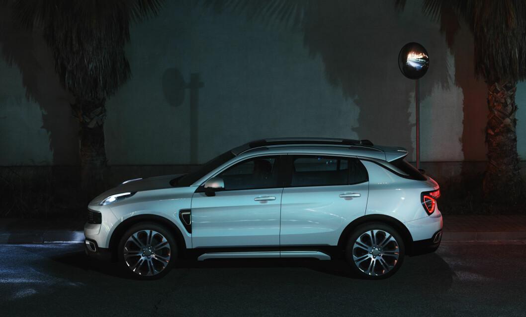 VOLVO-FAMILIE: Lynk&Co eies av kinesiske Geely, som også eier Volvo. Det betyr at nye model 01 får mye svensk teknologi og sikkerhet. Foto: Produsenten